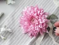 imagen Accesorio para el cabello con flores frescas