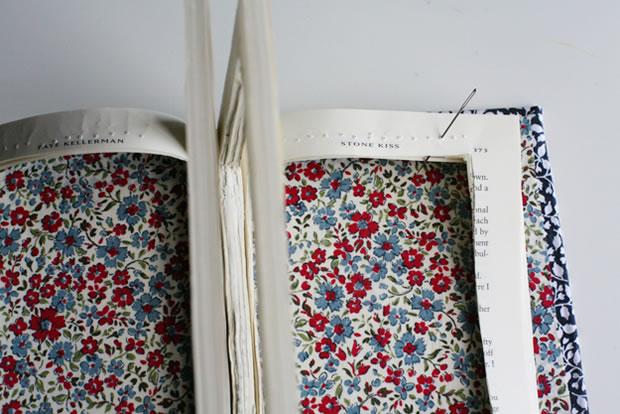 Bolso con un libro 5