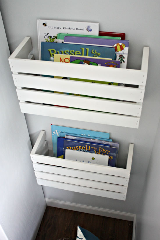 Estanter a para libros hecha con una caja de madera gu a for Diy cassette shelf
