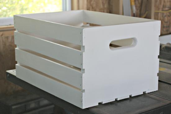 Caja de madera como estantería 3