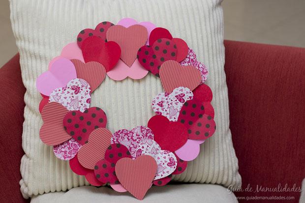 Romántica corona de San Valentín - Guía de MANUALIDADES