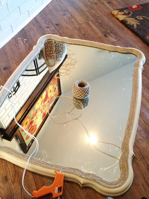 Decora un espejo con cordel gu a de manualidades for Espejo pared completa