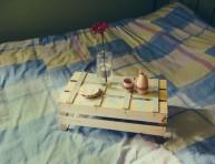 imagen Mesita para la cama con un cajón