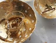 imagen Cuencos de papel maché y pan de oro