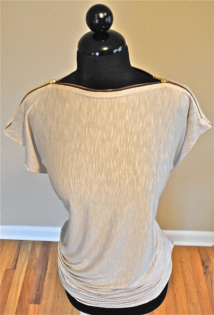 Camiseta con cremallera 1
