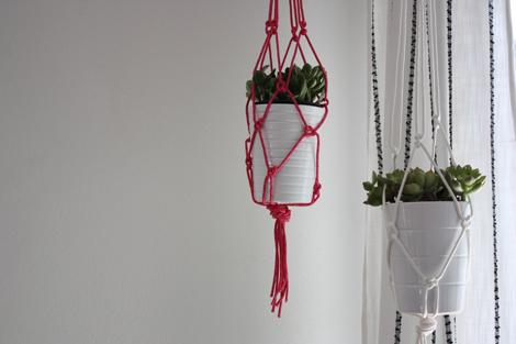 Aprende a tejer una red para colgar macetas gu a de - Macetas para colgar ...