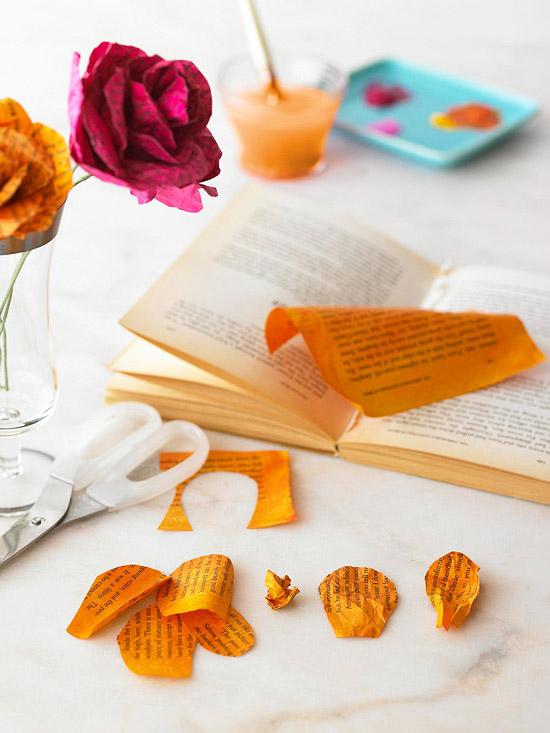 Flores con hojas de libros 2