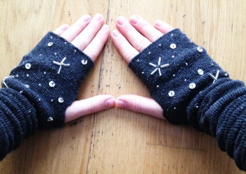 Guantes con calcetines 1