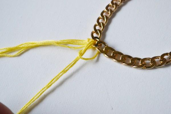 4794f287b25a Collar con flecos paso a paso - Guía de MANUALIDADES