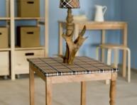 imagen Mesa de centro con lámpara de estilo rústico
