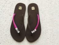 imagen Detalle con gemas e hilo para tus sandalias