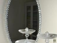 imagen Espejo decorado con cuentas de cristal