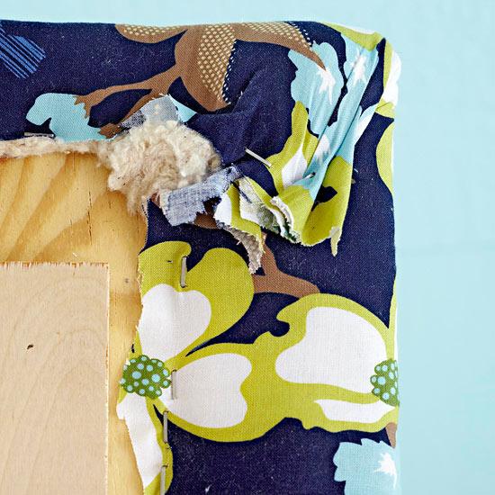 Cabecero de cama tapizado gu a de manualidades - Como tapizar un cabecero de cama ...