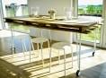 imagen Mesa de comedor con un palet