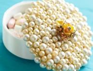imagen Alhajero decorado con perlas artificiales