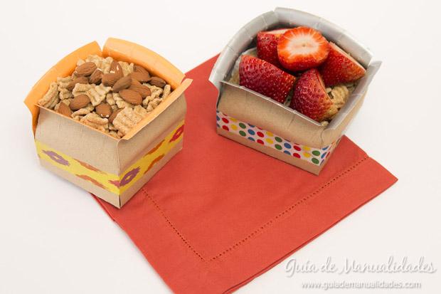 Cajas con platos de cartón 1