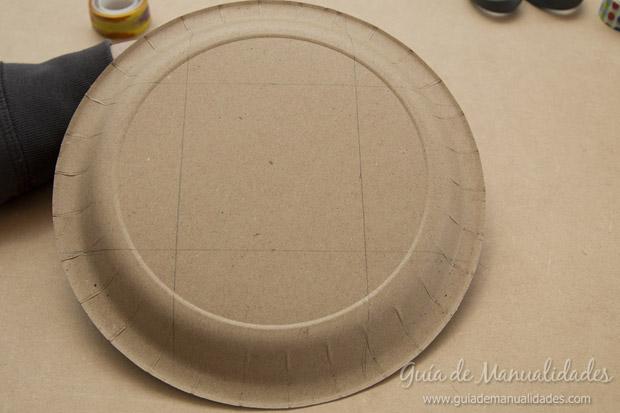 Cajas con platos de cartón 3