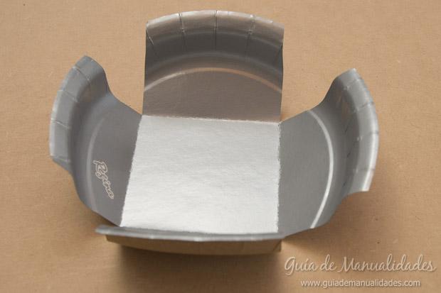 Cajas con platos de cartón 5