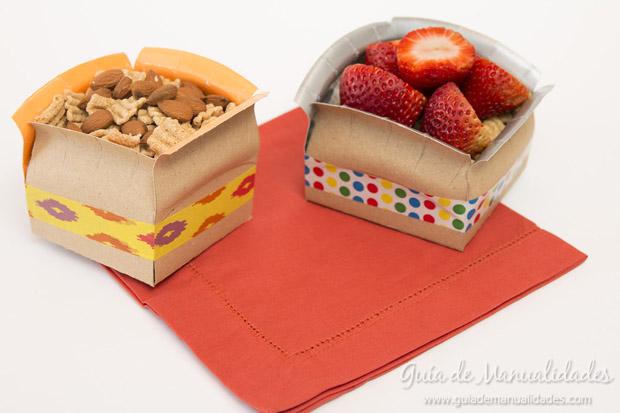 Cajas con platos de cartón 8