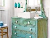 imagen Un lavabo retro con viejos muebles