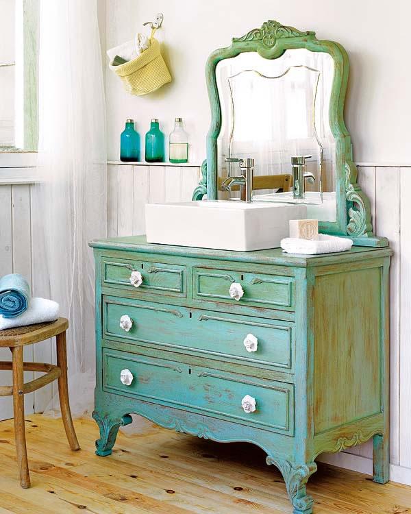 Un lavabo retro con viejos muebles gu a de manualidades for Como reciclar una mesa de televisor antigua