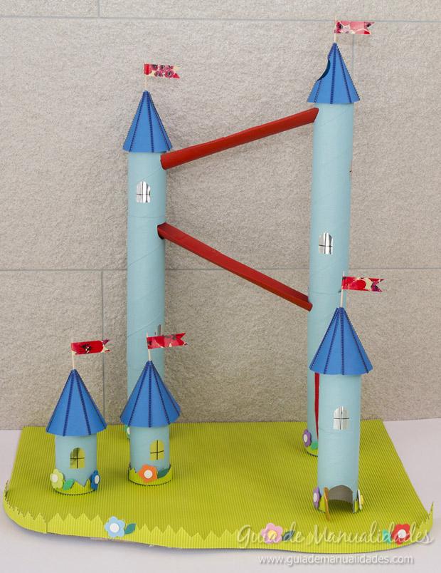 Castillo con tubos de cartón 1
