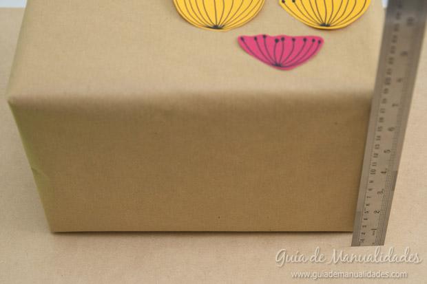 Envoltorio regalos con flores 10