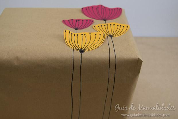 Envoltorio regalos con flores 15