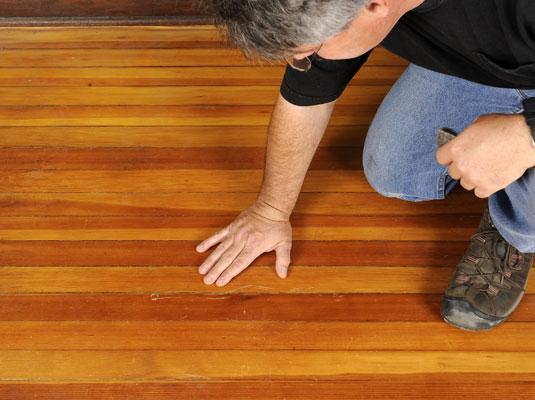 Arreglar arañazos en la madera 1