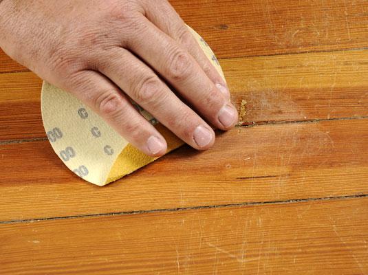 Arreglar arañazos en la madera 6