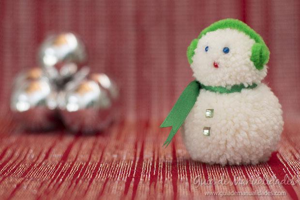 Muñeco de nieve con pompones 10
