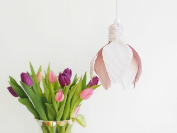 Lámpara con forma de flor