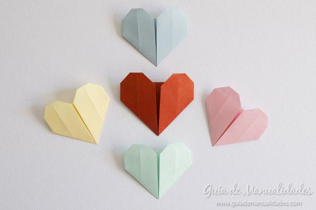 Corazones origami