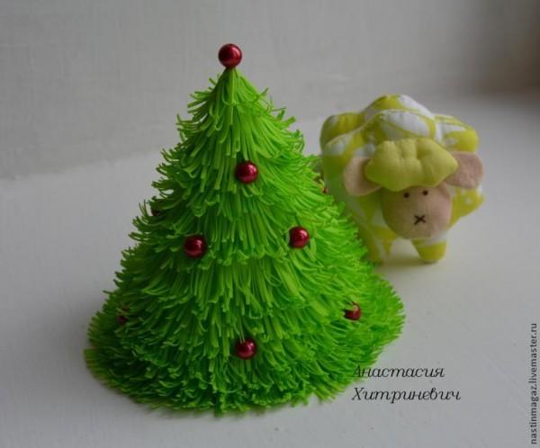 Arbolitos de Navidad con goma eva - Guía de MANUALIDADES