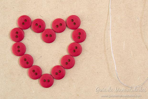 Corazón DIY de botones 3