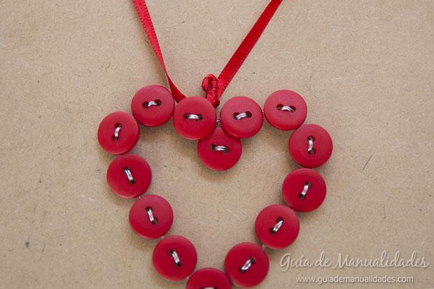Corazón DIY de botones 8