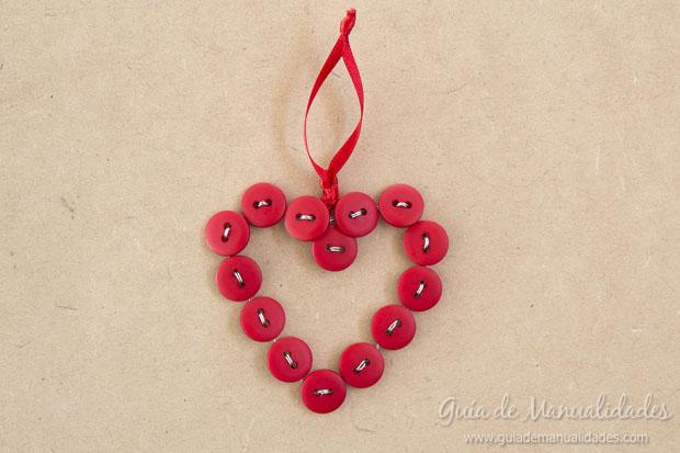 Corazón DIY de botones 9