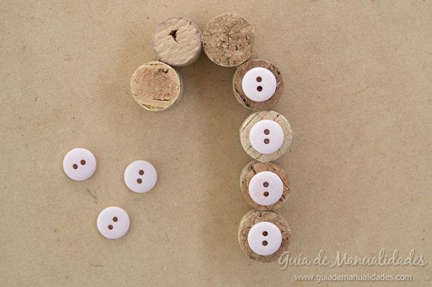 Adornos DIY con corchos 5