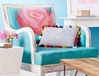 imagen Cambia el estilo de un viejo sofá con pintura