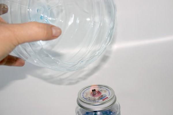 Bol con una botella plástica 4