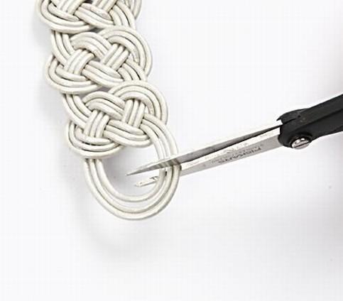 Brazalete de cuero trenzado DIY 13