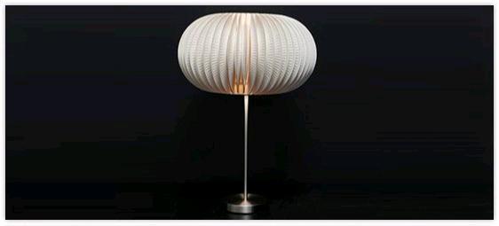 Lámpara decorada con platos de cartón 1