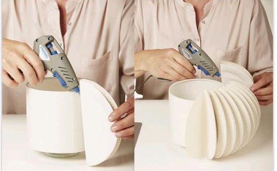 Lámpara decorada con platos de cartón 3