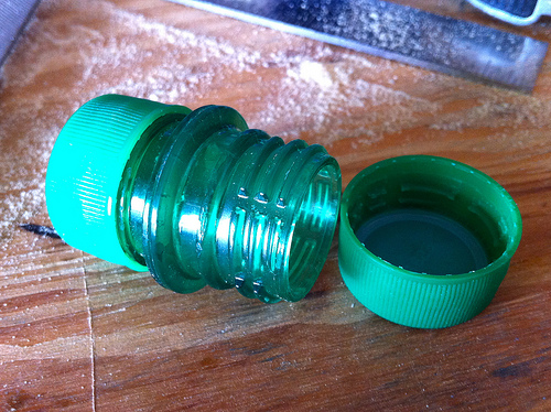 Envase hermético con botellas plásticas 5