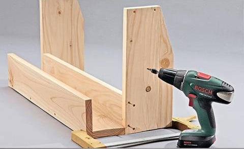 Macetero de madera colgante con estante gu a de manualidades - Soportes para colgar macetas ...