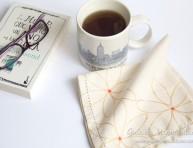 imagen Decora servilletas con diseños de cartón y pintura para tela