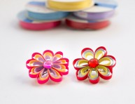 imagen Broches de flores con cintas para el cabello