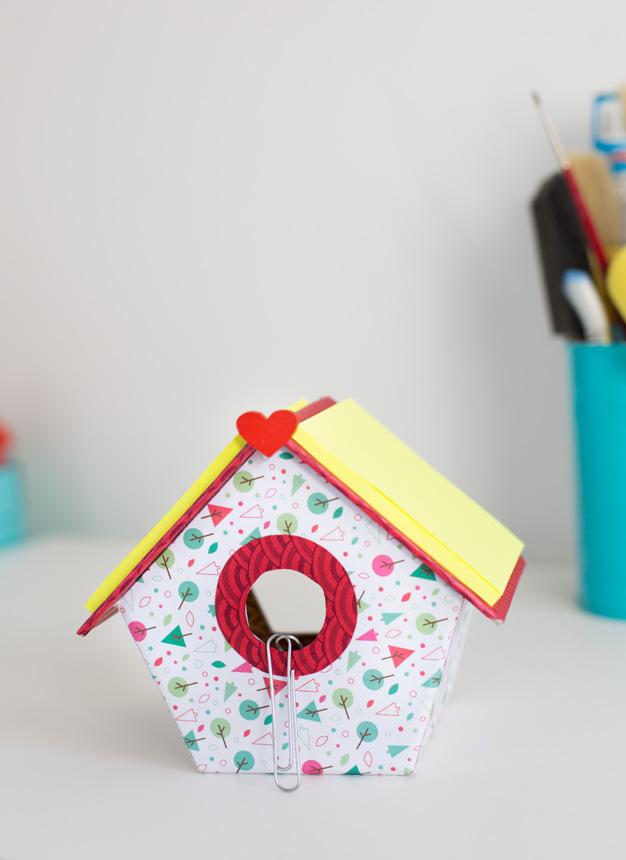 Casa pájaros cartón 20