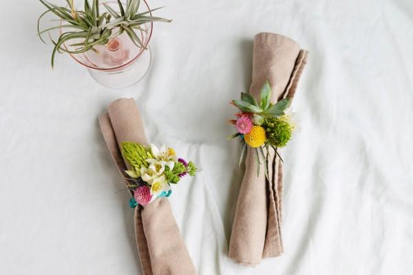 como-hacer-servilleteros-individuales-con-flores-01