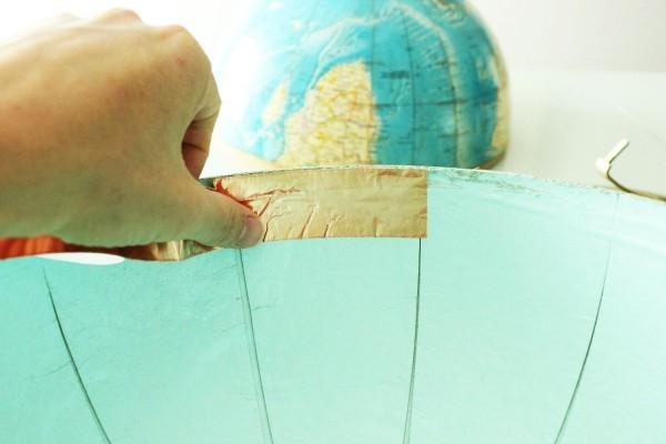 como-hacer-una-lampara-con-un-globo-terraqueo-08